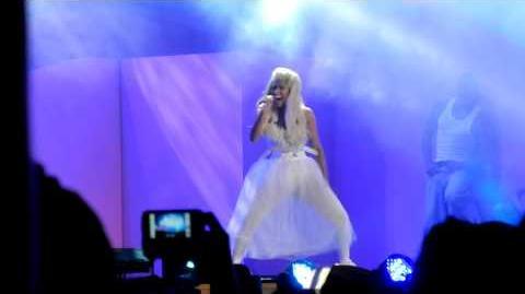 Nicki Minaj - Right By My Side @ Wango Tango