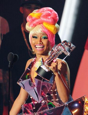 File:Nicki VMA.jpg