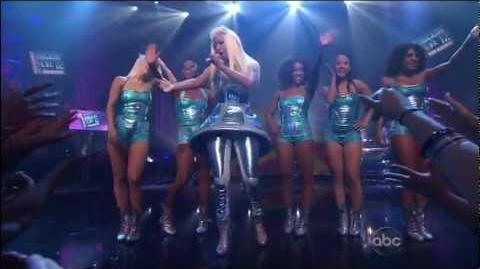 Nicki Minaj - Super Bass (2011 New Year's Rockin Eve)