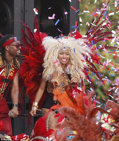 File:Pound the Alarm Carnival 2.jpg