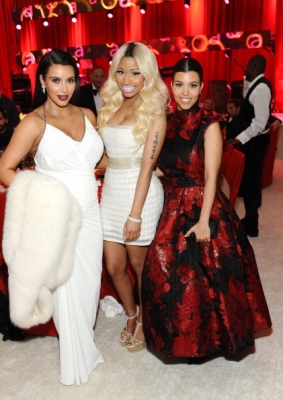 File:Nicki, kim, kourtney.jpg