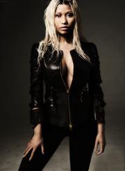 Nicki elle