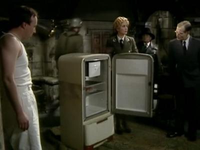 File:Herr Flick with a fridge.jpg