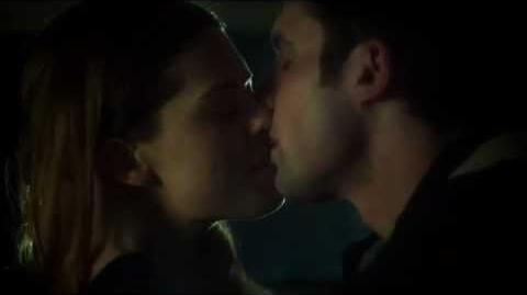 Nikita 2x21 - Alex and Sean Kiss