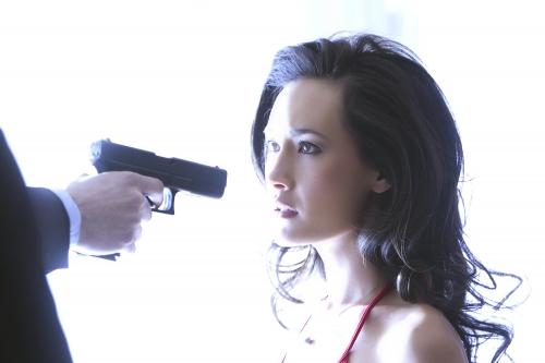 File:Nikita-at-gunpoint.jpg