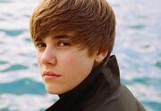 Justin Bieber breaks youtube record