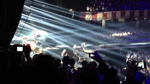 No Doubt Looking Hot Live MTV EMA 2012