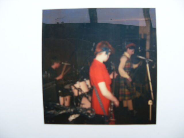 File:Dolly mixtures live at the jacquard.JPG
