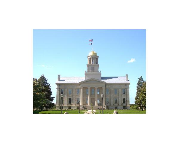 File:Iwa City Capitol-4077.jpg