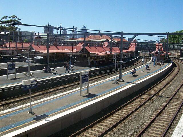 File:Redfern railway station.jpg