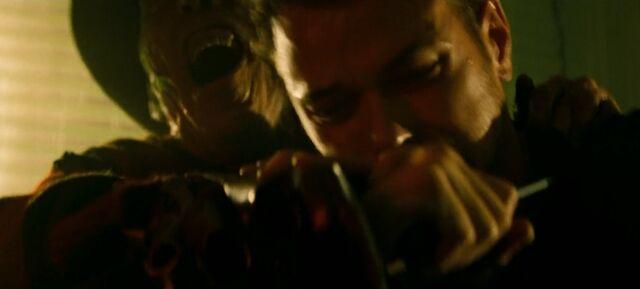 File:Freddy helps Dean.jpg