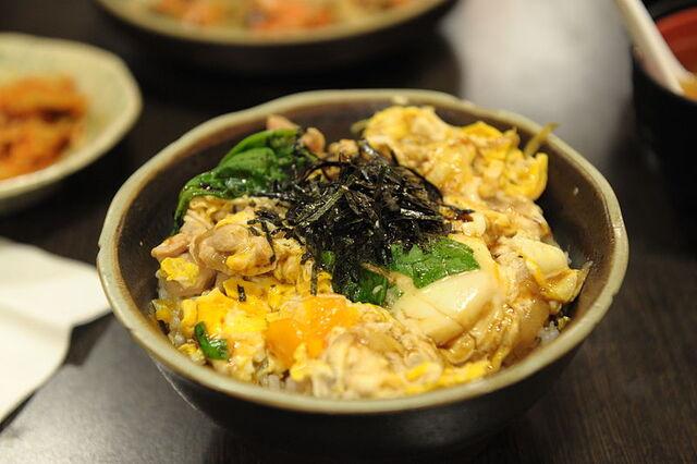 File:Oyakodon.jpg