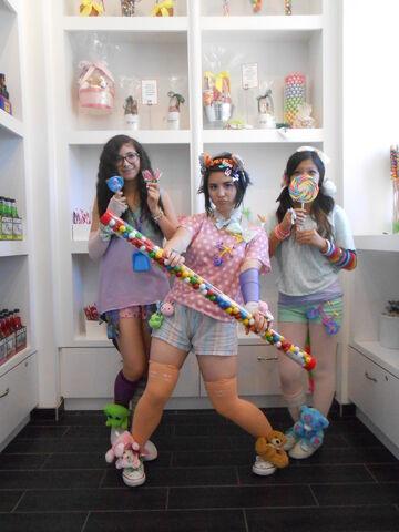 File:CandyShopeMpiRe.JPEG
