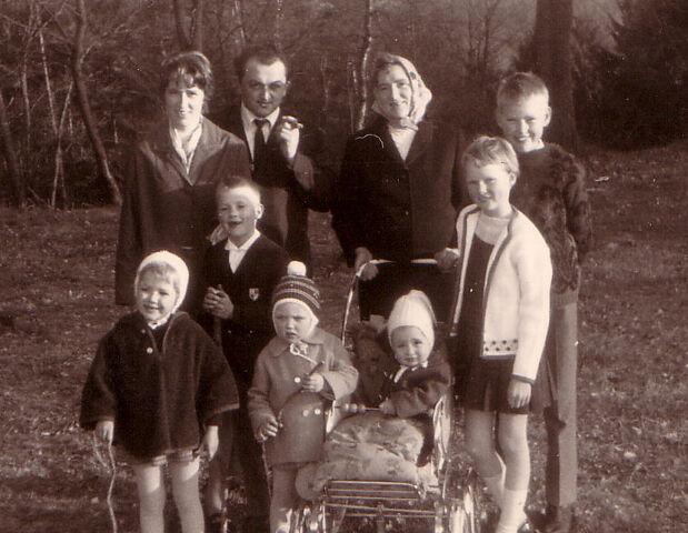 Datei:1968-Christa-Helma-Kinder.jpg