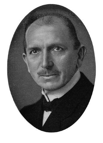 Datei:Heinrich Eggersglüß.jpg