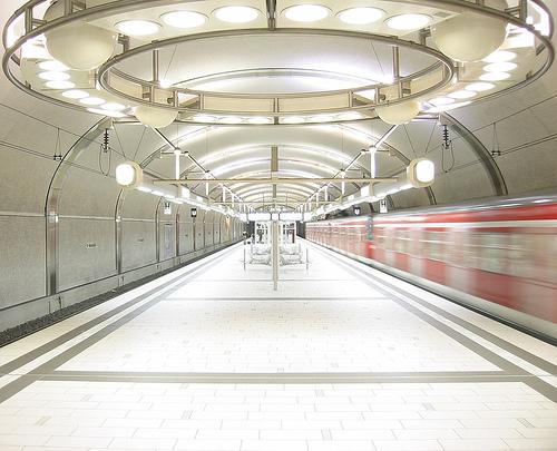 Datei:S-Bahn Kaiserlei 2.jpg