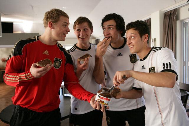 File:Mesut-ozil-with-german-teammates-national-team-nutella-funny.jpg
