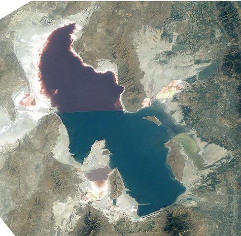 File:Great Salt Lake ISS 2003.jpeg