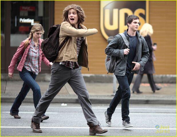 File:Logan-brandon-pjo-filming-14.jpg