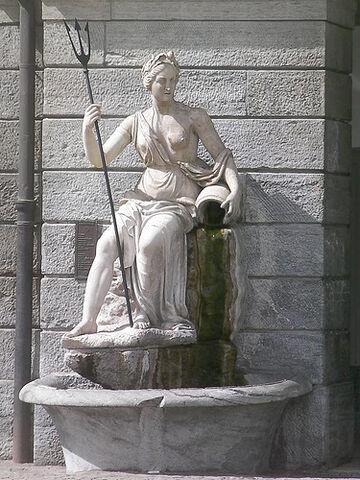 File:Statue of Amphitrite, Aosta.jpg