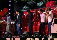 One-direction-closing-olympics-05