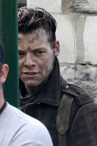 File:Harry-Styles-filming-Dunkirk (2).jpg