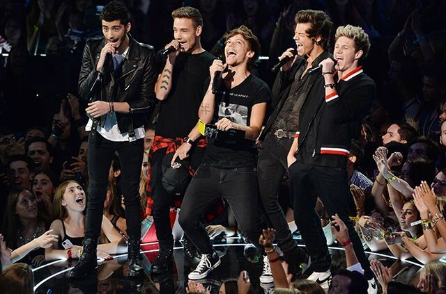 File:One-direction-vma-650a.jpg