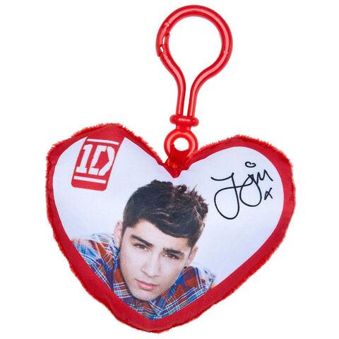 File:BAB heart shaped pillow clip Zayn.jpg