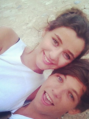 File:Eleanor-Calder-and-Louis-Tomlinson.jpg
