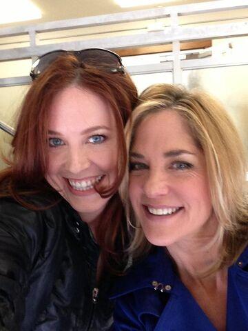 File:Kassie DePaiva & Melissa Archer.jpeg