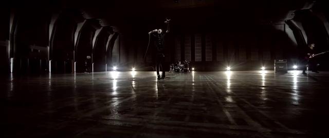 File:Mighty Long FallMusic Video screenshot 94.png