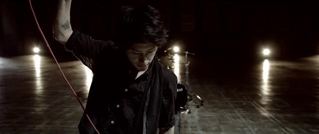File:Mighty Long FallMusic Video screenshot 11.png