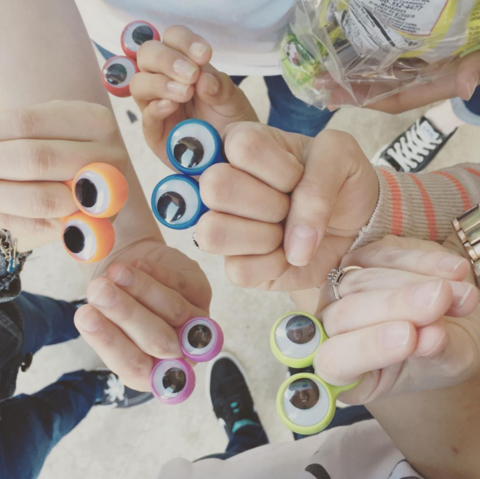 File:Oobi Eyes Hand Puppet Group.png