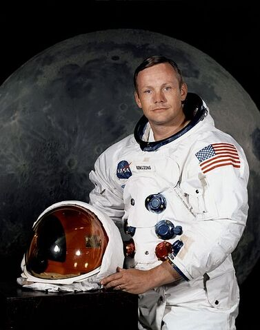 File:471px-Neil Armstrong.jpg