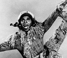 File:Hinton Battle as the Scarecrow.jpg