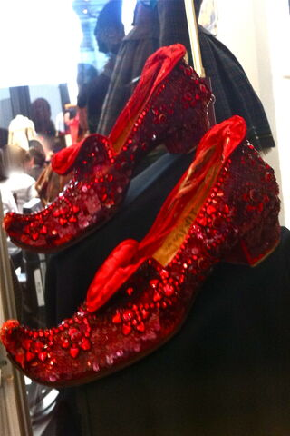 File:Arabic ruby slippers.jpg
