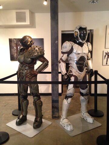 File:Gnomon Gallery Exhibit-09.jpg
