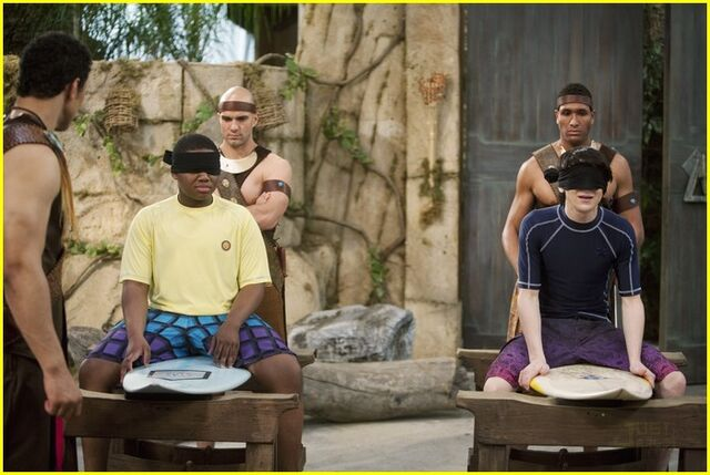 File:Mitchel-musso-doc-shaw-blindfold-11.jpg