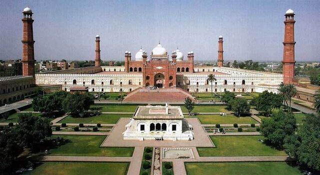 File:Pakistan Lahore Mughul Building 001.jpg