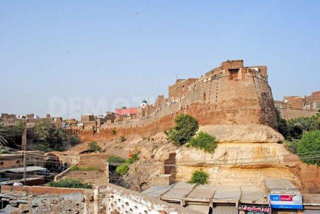 File:Pakistan Hyderabad Fort 001.jpg