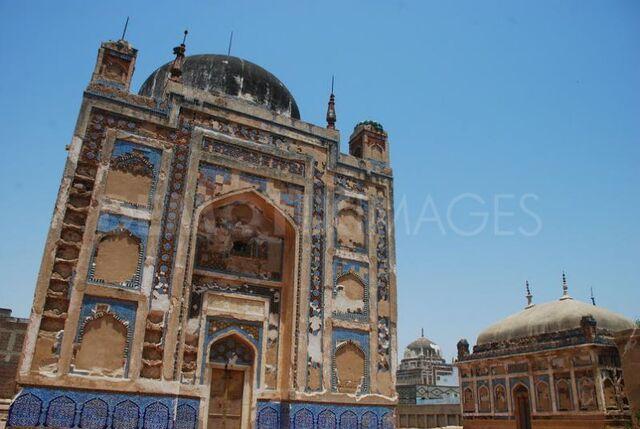 File:Pakistan Hyderabad Talpur Tombs 001.jpg