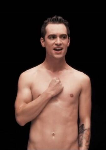 File:Brendon Urie - Shirtless - 7.jpg