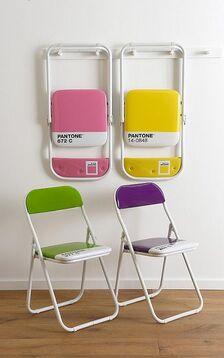 Pantone-chairs