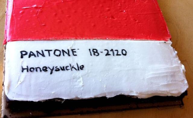 File:Pantone Cake .jpg