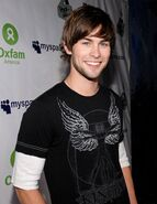 Chace crawford as max corbon