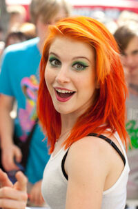 Hayley-Williams-3-hayley-williams-11856412-462-700