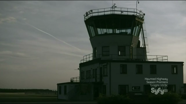 File:RAF Bentwaters Traffic Control Tower.png
