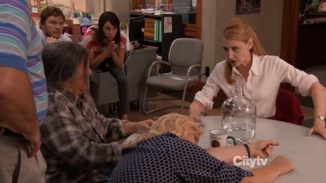 File:S04E02.png
