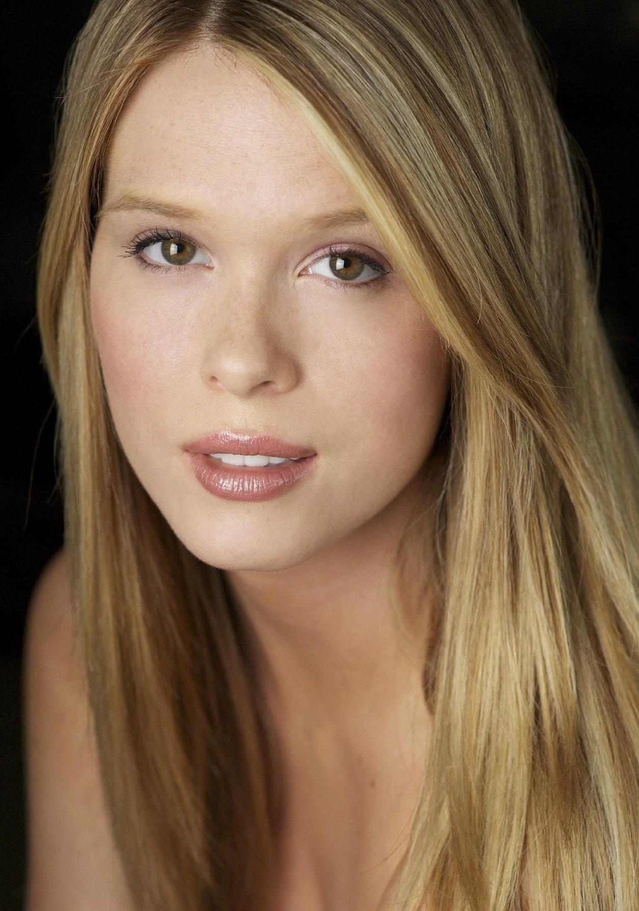 Leah Renee Cudmore | Hot Girl HD Wallpaper