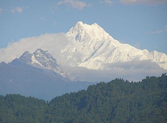 File:Mount Sikowo.jpg